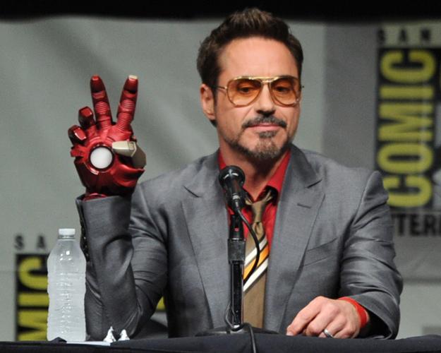 Robert Downey Jr 01