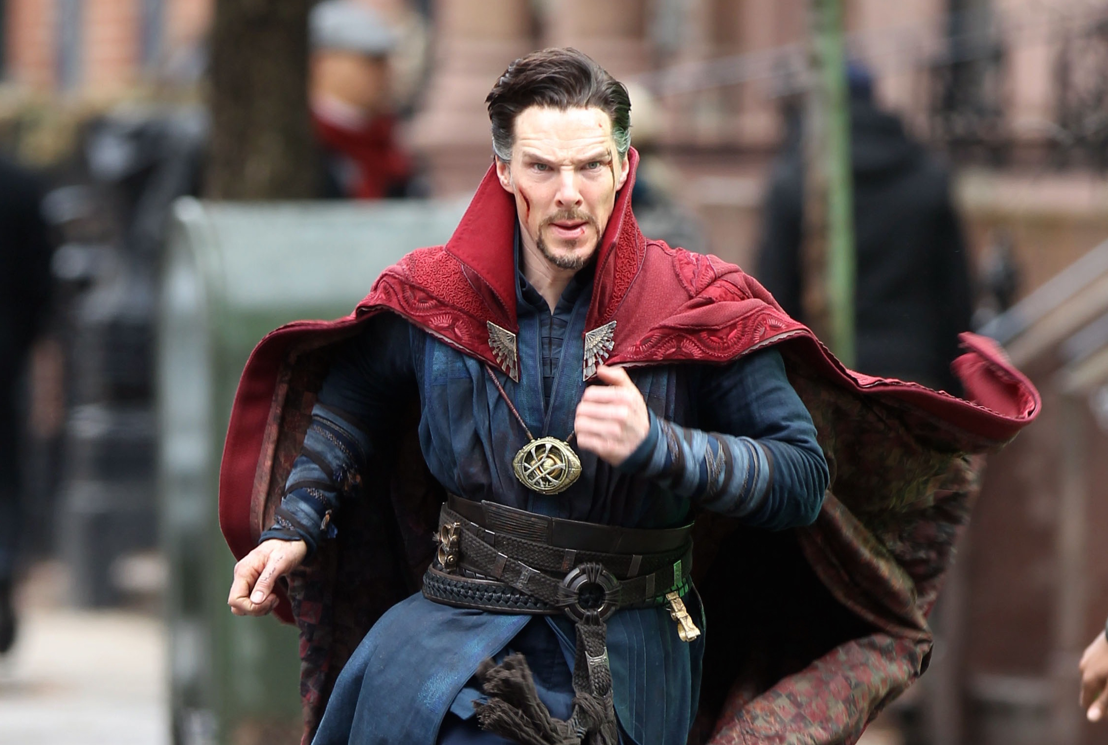 """NEW YORK, NEW YORK - APRIL 02:  Benedict Cumberbatch filming """"Doctor Strange"""" on April 2, 2016 in New York City.  (Photo by Steve Sands/GC Images)"""